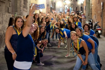 All in 90 seconds:All in 90 seconds: The contrada dinner