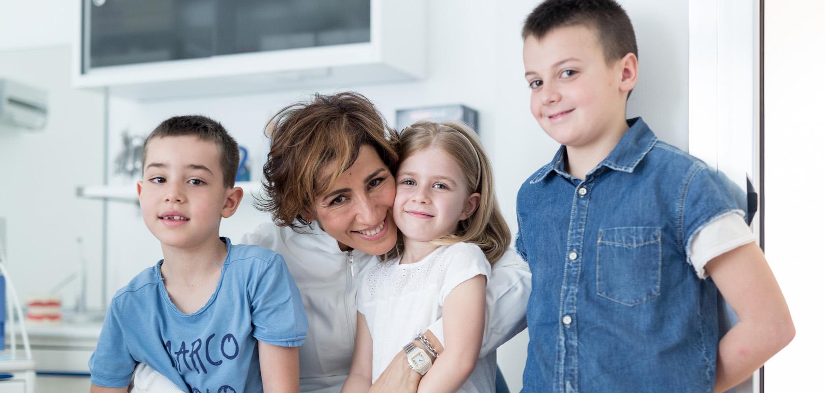 Da oltre 15 anni, ci prendiamo cura dei sorrisi di adulti e bambini