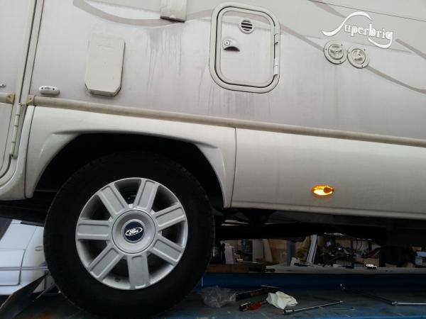 Ford Transit 125 T 350, ruota GEMELLATA, trazione posteriore, assale tondo, tampone tondo nero vite centrale, FINO AL 2006