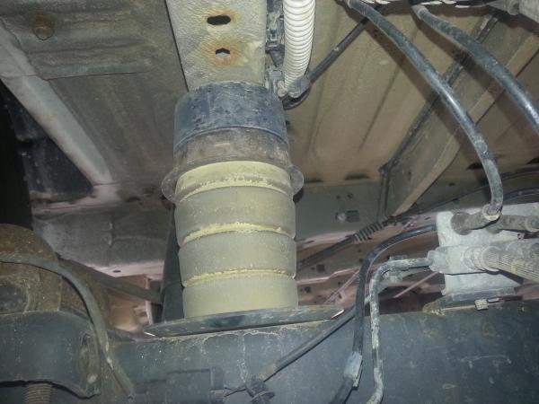 Ford Transit 100 - 120 ruota SINGOLA, assale QUADRO, tampone tondo nero/giallo vite centrale